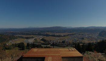 【津南町】崖地に飛び出すようなデッキからの眺めは最高!