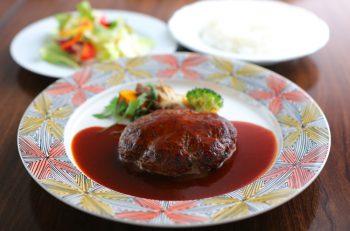 手の込んだ洋食メニューをカジュアルに味わえるレストランが三条にオープン!