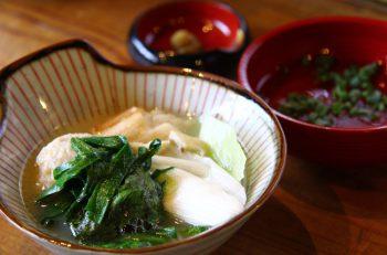福岡名物・水炊き鍋を新しいスタイルで|新潟市中央区