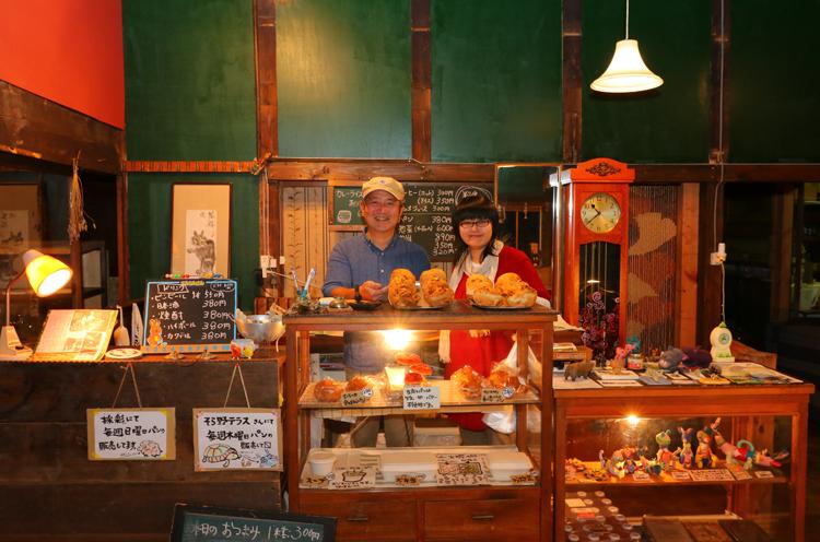 秋にディナー営業を始めた巻のベーカリーで夜ご飯&夜カフェ!