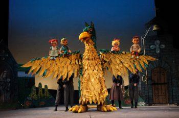 全国で活躍する人形劇団プークによる心温まる素敵な人形劇を上演