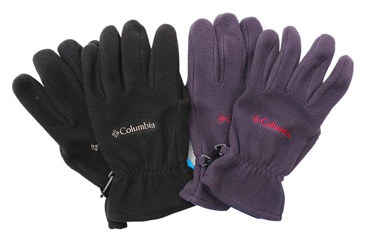 columbia 『バックアイスプリングス グローブ』  保湿性があり、暖かくや和やかなフリース素材のグローブ。手首部分の内側には防風対策のゴムが。肌寒い時期の防寒に最適 各2,808円