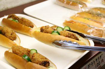 今はなき名店・南雲ベーカリー直伝の『納豆サンド』。五泉の栄軒で買えますよ!