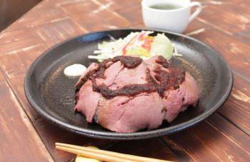 上質なローストビーフが人気の「シンプル」な食堂|新潟市東中通