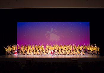さまざまなダンスが楽しめる、毎年恒例のクリスマス公演