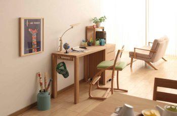 カリモクの学習机で「学び」の環境づくり【クリスマスの贈り物/おすすめ4点】