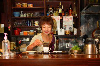 ジャズ、J-POP、演歌、民謡―。音楽好きが集まるライブ喫茶  新潟市万代