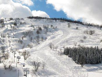 【500円引クーポンあり】新潟県糸魚川市のスキー場でお得に滑ろう!
