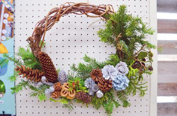 【妙高市】自然の材料を使ったクリスマスリース作りを体験