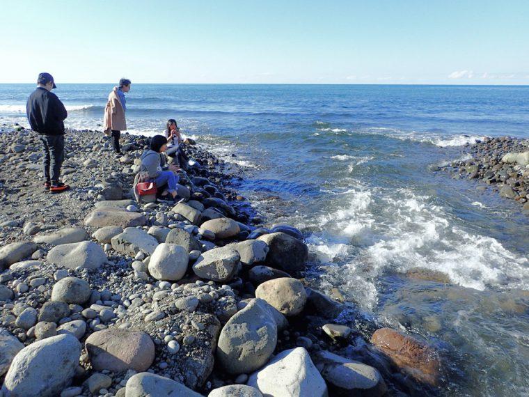 海と川の合流地点。鮭の遡上が間近で見られます