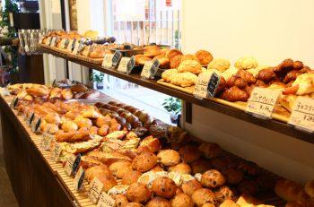 「ござれや阿賀橋」たもとにパン屋さんがオープン!