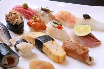 すし清  矢ヶ崎が、リニューアル オープン一周年を記念して『純米しぼりたて生原酒』をグラス一杯サービス中|新潟市中央区礎町