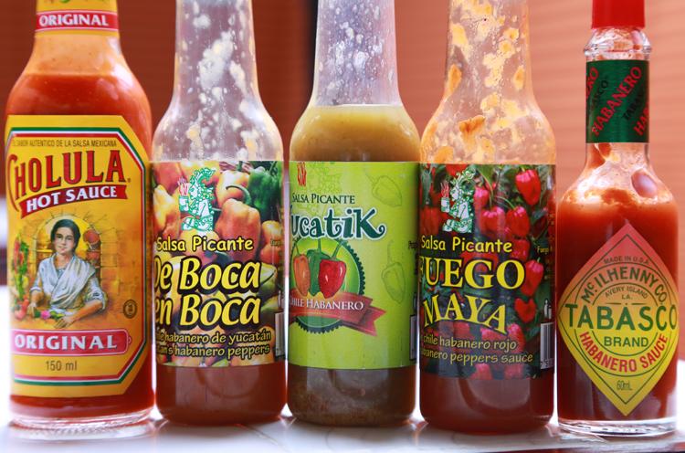 好みの辛さに調整して食べるのがメキシコ流!