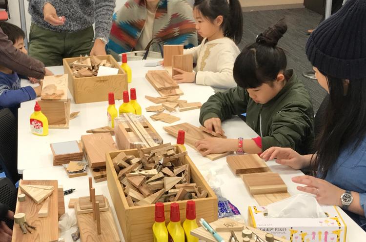 木工教室をはじめとした各種体験コーナーもあります