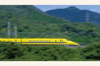 ドクターイエローをはじめ新幹線や特急など人気列車がスクリーンに!