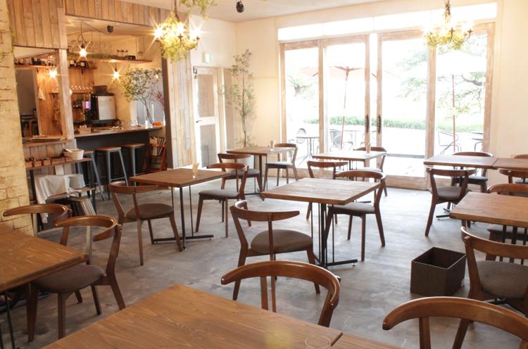 オシャレな雰囲気のカフェです♪