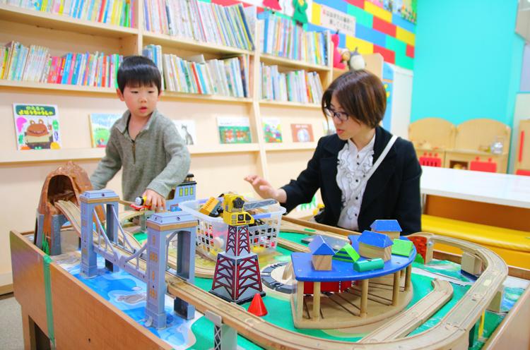 木製のおもちゃが揃う「おもちゃ ワールド」