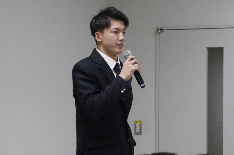 背番号41 GK 藤田和輝選手。ポジショニングセンスと、機敏なシュートストップでチームを救うゴールキーパー。