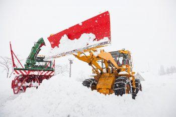 【津南町】大型除雪機に乗れる! ニュー・グリーンピア津南の人気イベント!