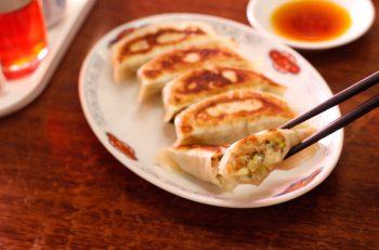 肉と野菜のうまみが凝縮!パンチ力のあるビッグ餃子|阿賀町津川