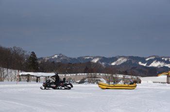 雪中ゲーム大会など雪を楽しめる催し満載。ペンギンもやってくるよ!