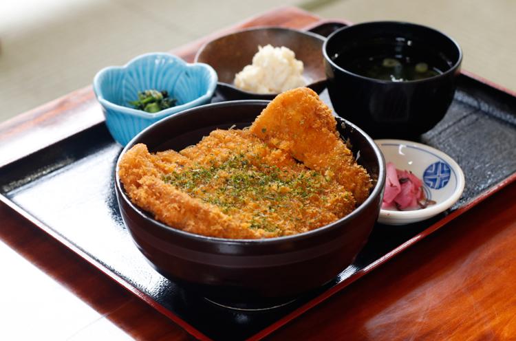 『朝日豚ロースかつ丼』(1,030円) 朝日みどりの里食堂でいただけます