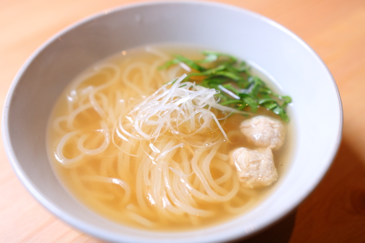 インドネシアのスープ麺『ミークア』