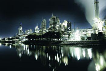 撮影に行こうよ! 新潟市東区の工場夜景がすごいんです