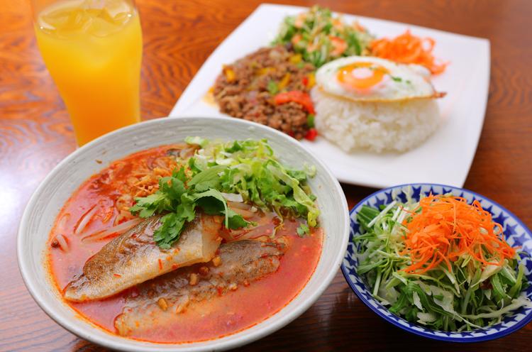 シンガポール料理店「ばく亭」が旅気分を味わえるカフェにリニューアル 新潟市東区