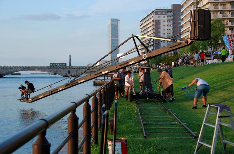 信濃川やすらぎ堤での撮影風景