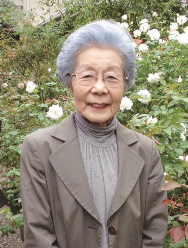 高木絢子(バラ歴50年以上のバラ栽培家で園芸研究家。NHK趣味の園芸や書籍、雑誌、カルチャースクールの講師など幅広く活躍している)