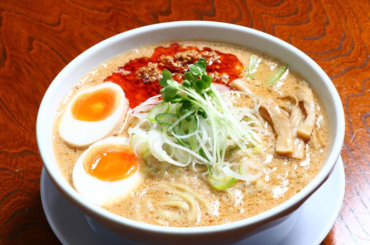 背脂担々麺(850円)