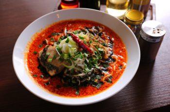 味噌とダブルスープが山椒を引き立てるシビ辛麺|新潟市東区