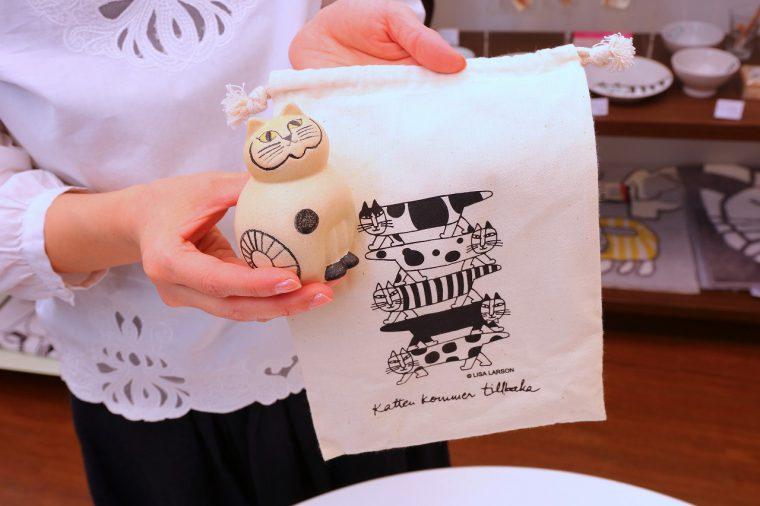 期間中は、こんなかわいい巾着が付く商品も! ねこのぶち10,000円+税