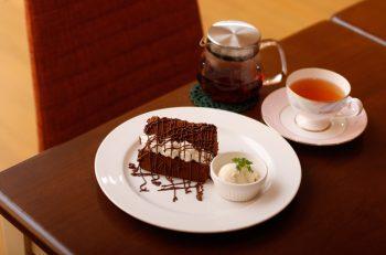 のんびり楽しみたい、米粉シフォンと紅茶のお店が秋葉区にオープン