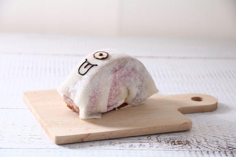 菓子工房マツサカヤの 『食べるホラーなお化けロール』
