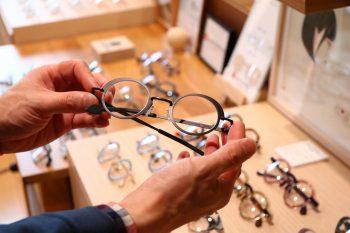 """衝撃! 長岡のメガネ専門店プラオプは""""フレームから選ばせてくれない""""すごい店だった"""