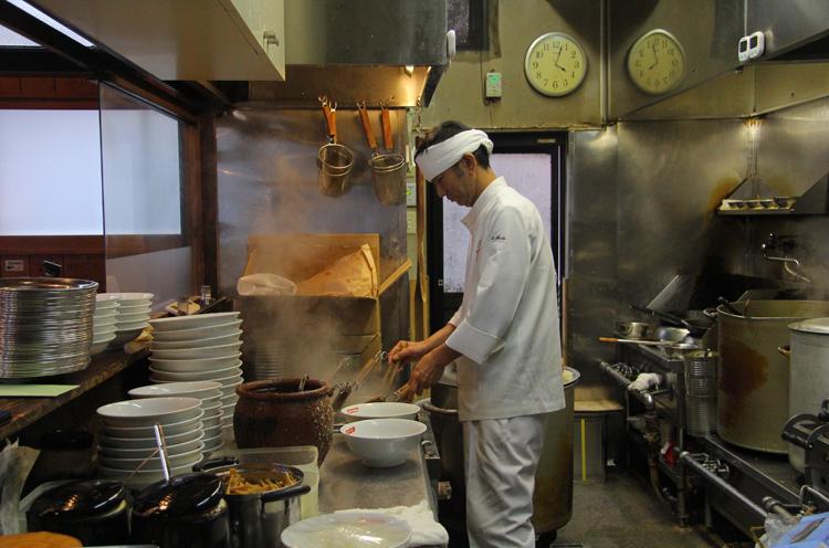 店主・安東さんのラーメン作りに対する真摯な思いは、ひとつひとつのラーメンに反映され、多くのファンを魅了し続ける