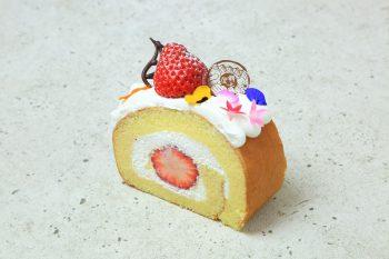 【最上屋】阿賀野市近郊の特産品をいっぱいに盛り込んだ華やかなロール【ロールケーキパラダイス2019参加店】