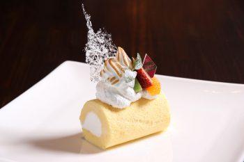 【Dining Space 2002 DAO】雪の世界を表現したアート感覚あふれたロール【ロールケーキパラダイス2019参加店】
