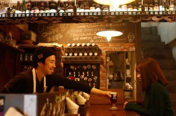 個性豊かなビールが常時12種類 |新潟市中央区駅前