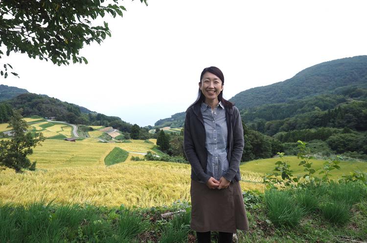 服部綾子さん。平成30年9月から岩首集落を中心に活動。佐渡の豊かな自然と暮らしに残る手仕事に惹かれているそうです