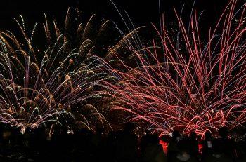 【五泉市】全国的にも珍しい水中花火大会|咲花温泉