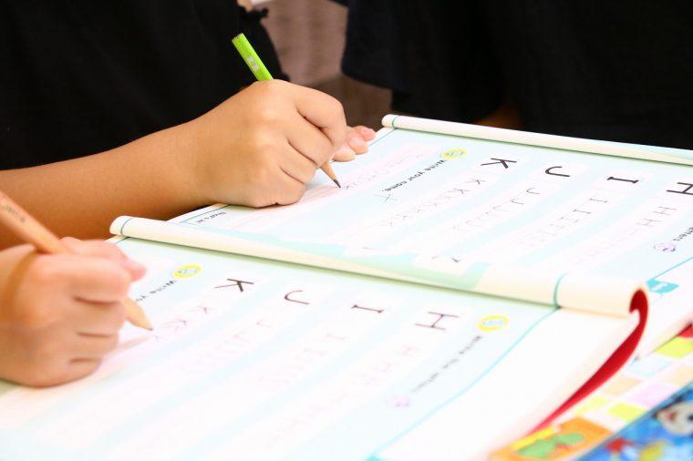 アルファベットもしっかり書いてお勉強!