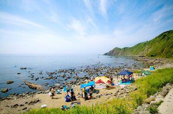 【粟島浦村】夏休みは粟島のキャンプ場へGo!!
