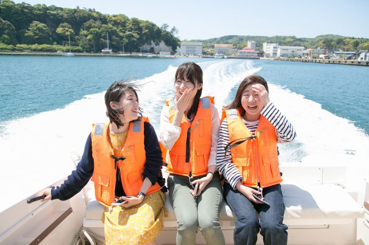 【動画あり!】佐渡の青い海をボートで疾走する体験レポート!