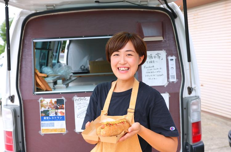 番頭の田中さん。ちなみにキッチンカーは入り口脇にとまってます