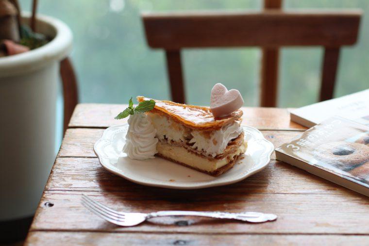 3種のクリームをパイ生地でサンド。『ミルフィーユ』(470円)