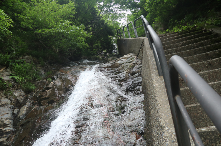 角神不動滝の一の滝
