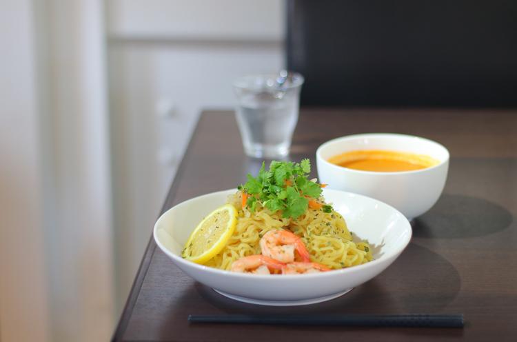 『冷製トムトマつけ麺』(900円)。提供は8月末まで